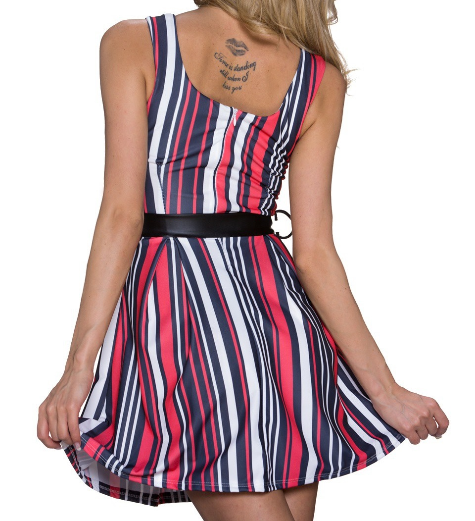 robe courte a rayures rouge blanche noire